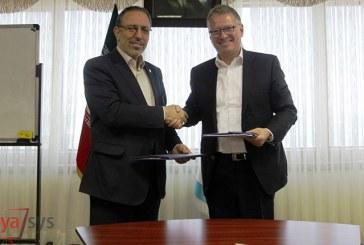 امضاء قرارداد شرکت ارتباطات ایران با نوکیا