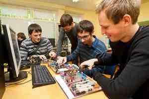 انواع مختلف شغل و تعاریف آن ها در فناوری ارتباطات چیست؟