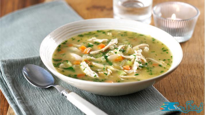 تاثیر سوپ مرغ بر کاهش درد گلو