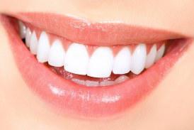 دندان های سفید و زیبا با چند ترفند خانگی