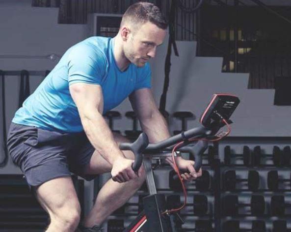 دوچرخه ثابت برای آب کردن شکم