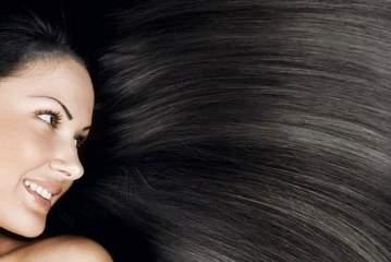 ۱۴ ماده غذایی مفید برای سلامتی، شفافیت و رشد موی سر