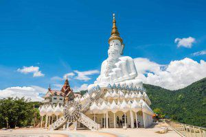 وات Pha Sorn Kaew (معبد روی صخره شیشه ای)