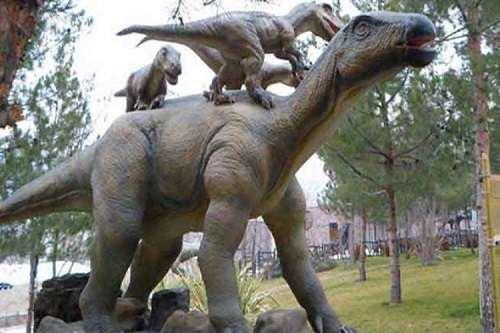 ویژگی مجسمههای موجود در پارک ژوراسیک تهران