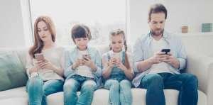 موبایل و تاثیر آن در خانواده