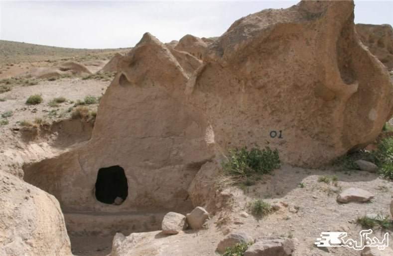 غار آع بولاع در منطقه بستان آباد