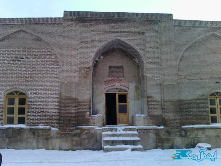 مسجد تاریخی قرمزی مسجد