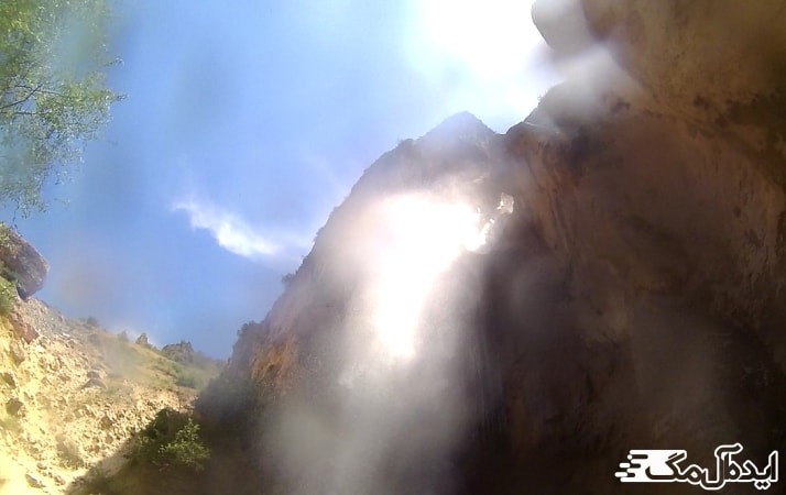 آبشار شاهاندشت در رینه