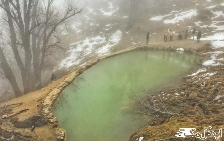 چشمه های آب گرم رینه