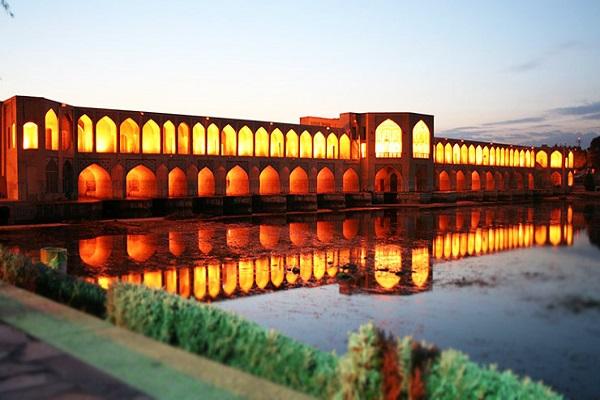 جاهای دیدنی اصفهان در شب
