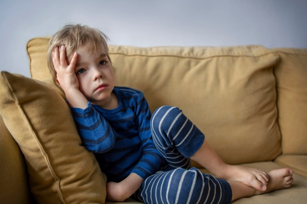 غمگین شدن کودکان در کرونا