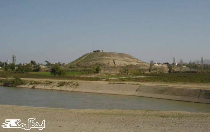 تپه نادری از جاذبه های گردشگری قوچان