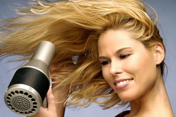سشوار کشیدن صحیح مو