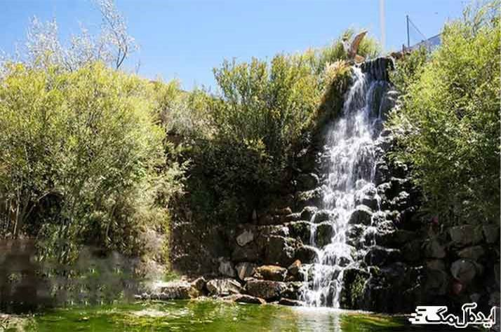 آبشار کاخک از جاذبه های گردشگری گناباد