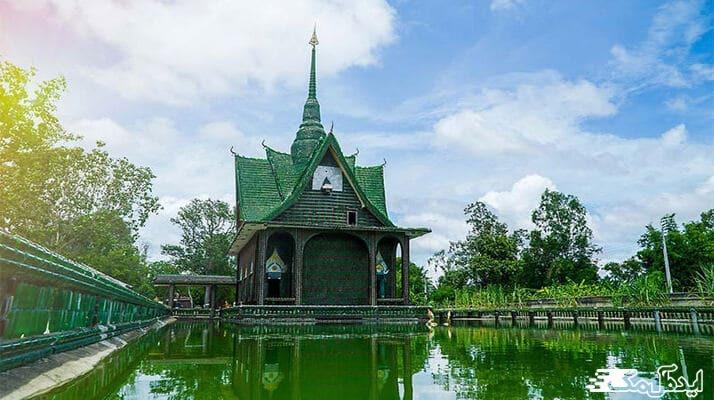 برسی کامل معبد زیبای یک میلیون بطری