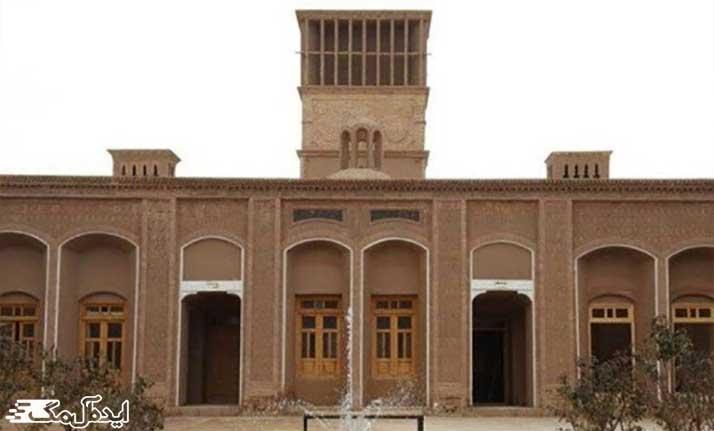 خانه و موزه تاریخی قرائی رشتخوار
