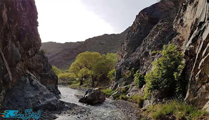 دره ییلاقی غرق آب از مکانهای دیدنی رشتخوار