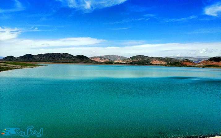 دریاچه و سد بار از مناطق دیدنی فیروزه
