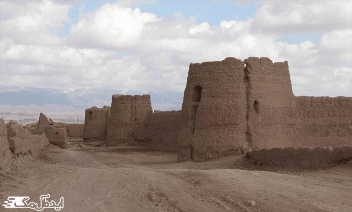 قلعه اکبر آباد از اماکن دیدنی رشتخوار