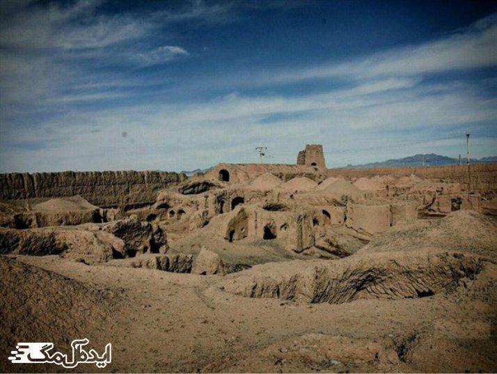 قلعه تاریخی کریم آباد