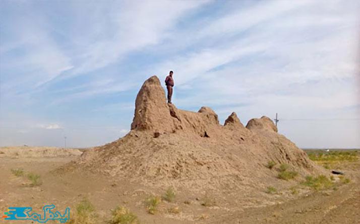 برج و باروی قلعه سرده