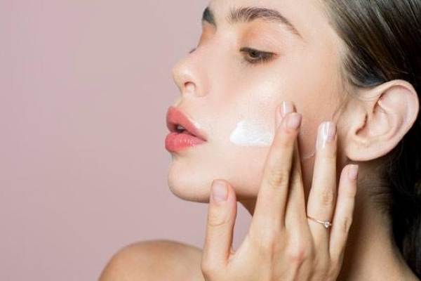 انتخاب بهترین کرم ضد آفتاب برای پوست چرب