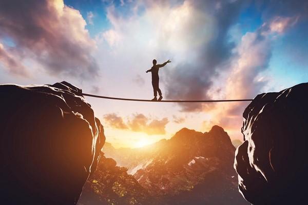 اعتماد به نفس چیست و کمبود آن چه تاثیری بر زندگی میگذارد؟