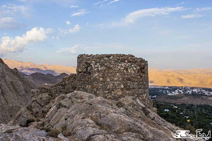 شیر قلعه از مناطق دیدنی شهمیرزاد