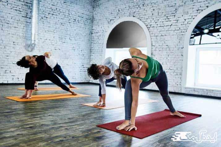 انجام ورزش یوگا به صورت گروهی