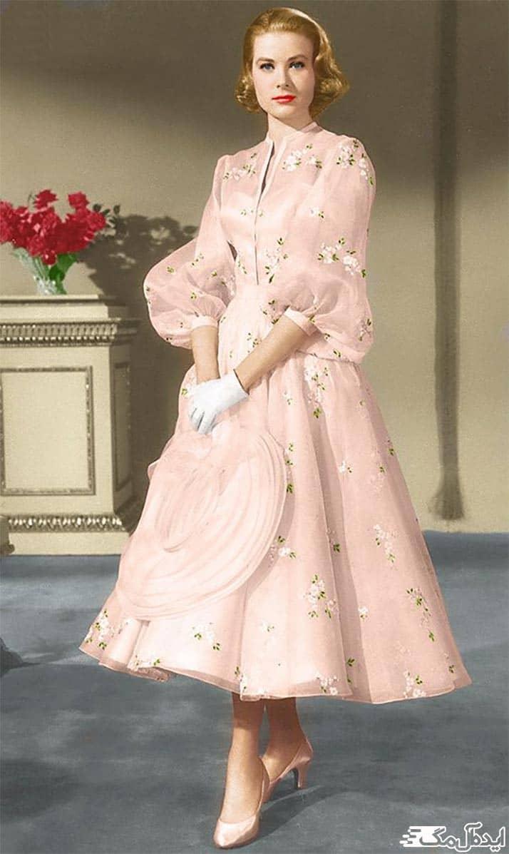 لباس عروس پوشیده برای عقد محضری
