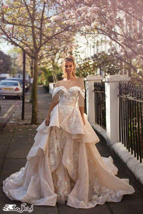 لباس عروس پرنسسی پفی با دامن کوتاه و یقه دلبری