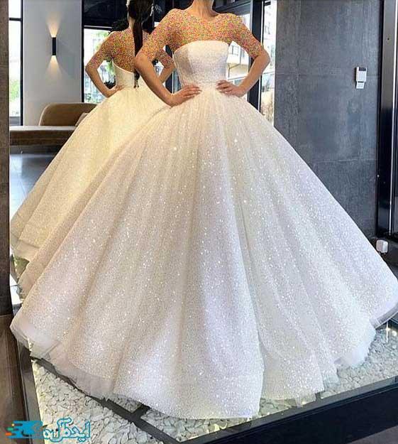 لباس عروس پرنسسی با یقه دکلته