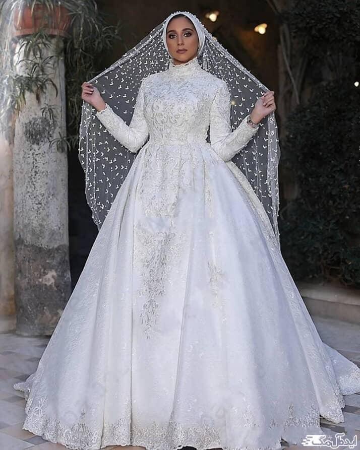 لباس عروس محجبه با پارچه طرح دار و تور