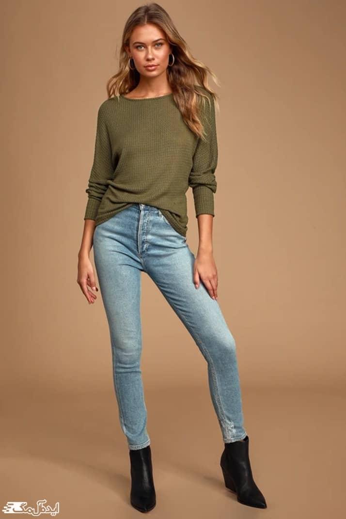 ست کردن ژاکت سبز زیتونی و شلوار جین