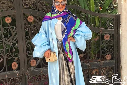 ست کردن مانتو آبی آسمانی با روسری رنگی